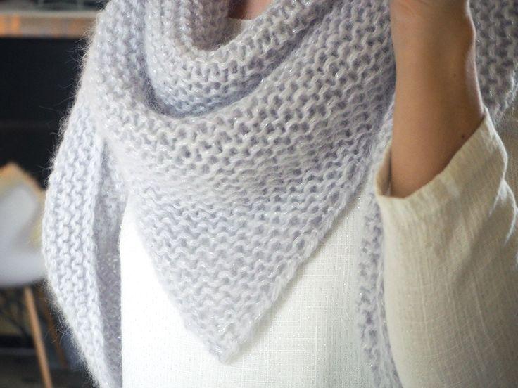 Un chale doudou en angora à se tricoter rapidement. Un tuto gratuit parfait pour les débutantes.