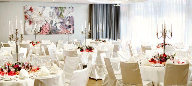 Waldhotel Stuttgart - Top 20 Weihnachtsfeier Location Stuttgart #stuttgart #event #location #top #20 #feier #weihnachtsfeier #weihnachten #christmas #business #privat #party #firmen #event #christmas #soon #prepare #organise #special #unique
