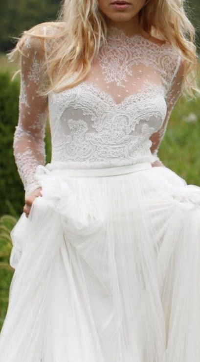 Love this style. This is my ideal wedding dress. When the day comes.
