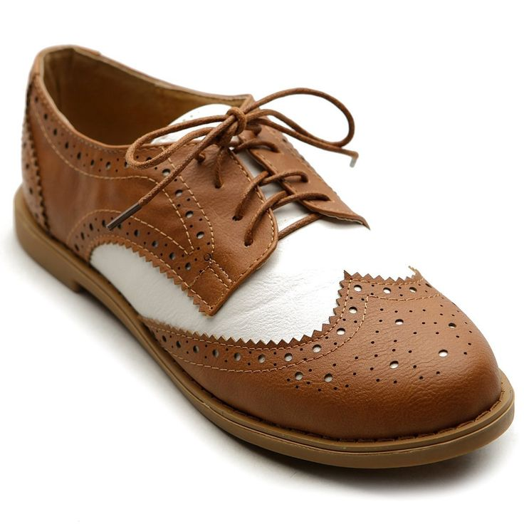 1940s Style Shoes Ollio Womens Flat Shoe Wingtip Lace Up Two Tone Oxford  $25.99 AT vintagedancer