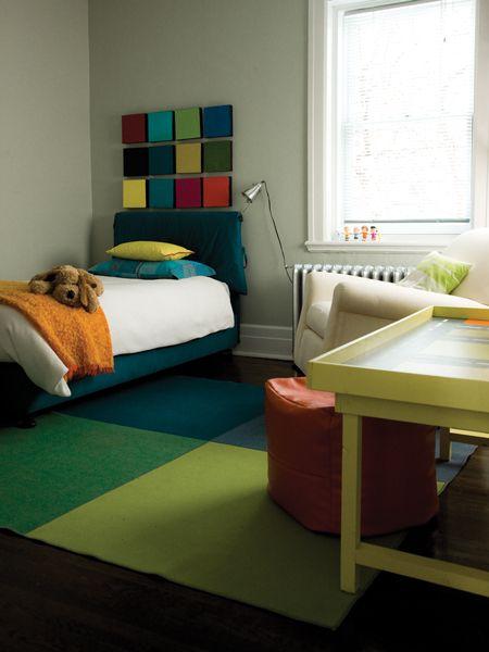 Des meubles modernes et beaucoup de couleurs