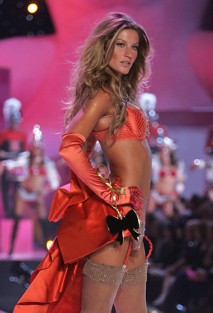 Gisele Bundchen Pictures - The Victoria's Secret Fashion Show 2005 - Runway - Zimbio.    I love the color and the sparkly criss-cross design on her bra, and I LOVE the amazing large bow on the back.  I also lover her lingerie layered hair!!!