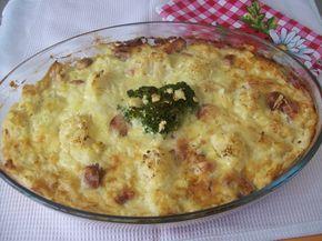 Sonkás rakott karfiol, sajtos öntettel, maga a csoda! A férjek kedvence :)