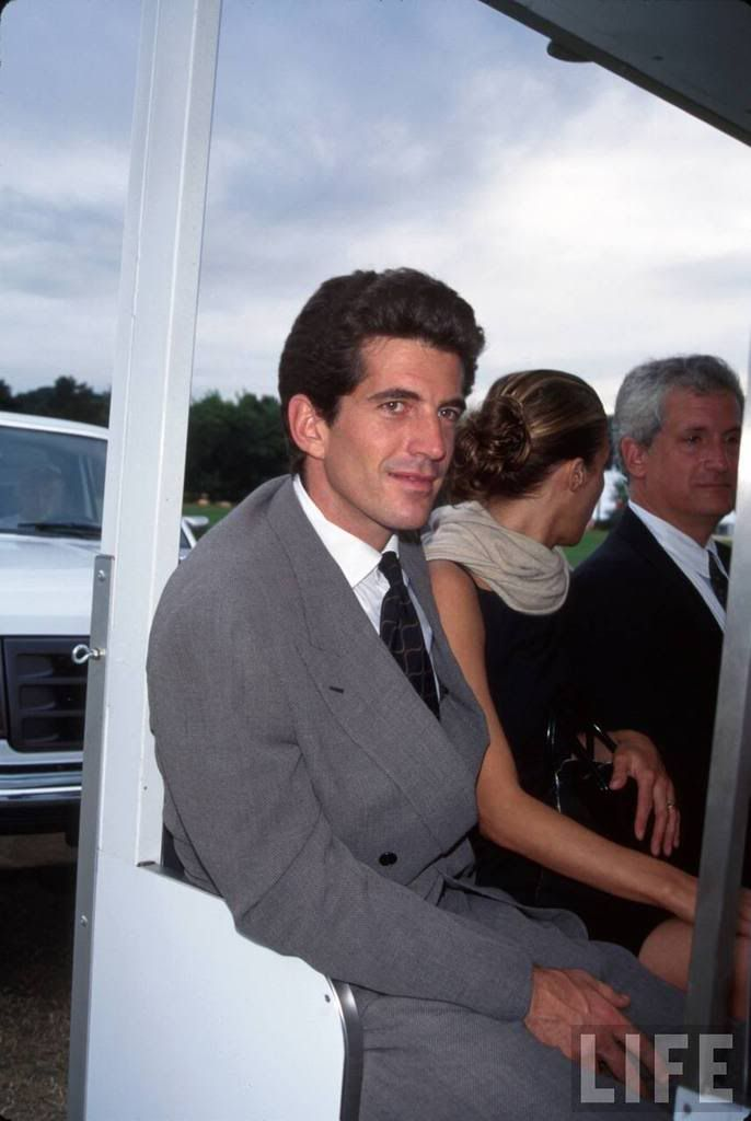Carolyn Bessette Kennedy - Page 30 - the Fashion Spot