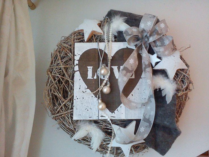 weihnachtlicher t r kranz holztafel kokossterne deko u kunstlederband 39 filz maybe. Black Bedroom Furniture Sets. Home Design Ideas