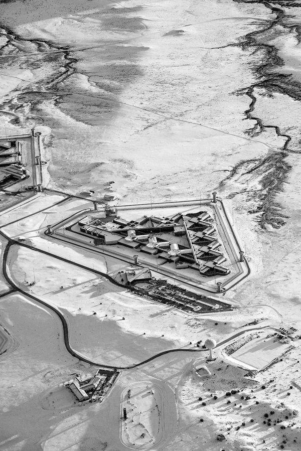 Inside America's Toughest Federal Prison - NYTimes.com