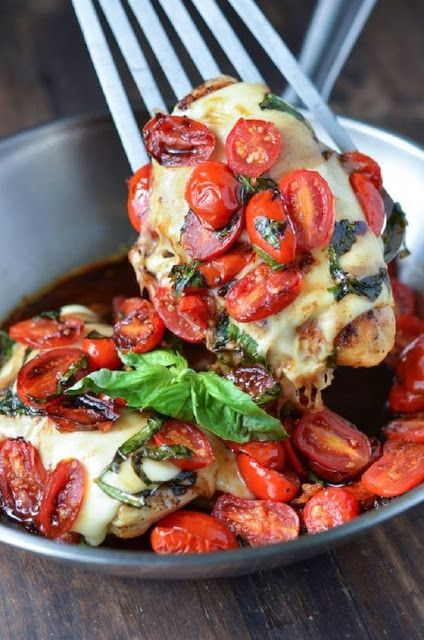 Caprese Chicken Recipe - Anna Things and Thoughts
