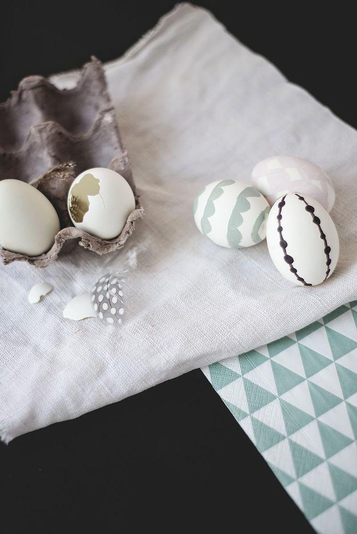 128 best images about holidays easter on pinterest stig lindberg easter egg designs and. Black Bedroom Furniture Sets. Home Design Ideas