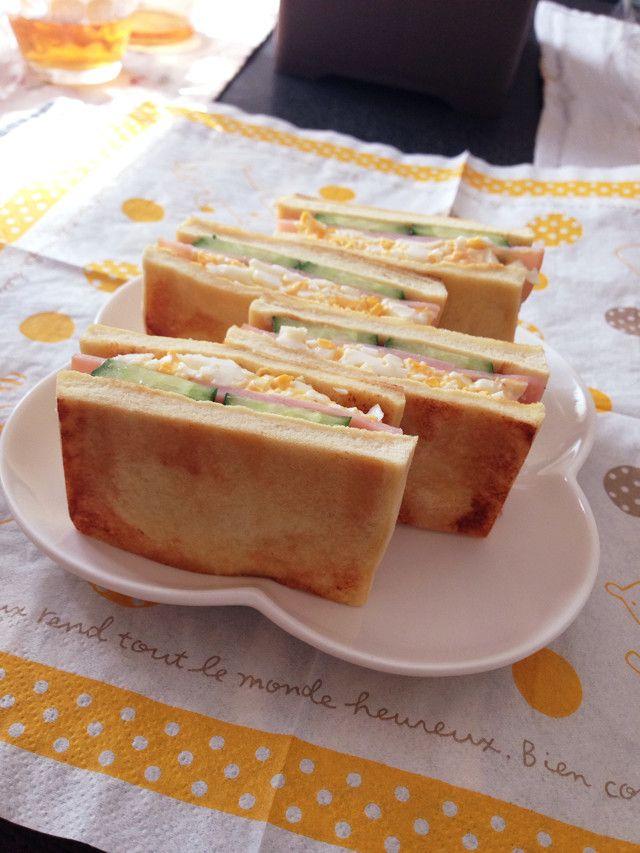 いまひそかに話題になっている高野豆腐サンド!パンに見た目や食感が似ているのにヘルシーなのでとても大人気なんです!