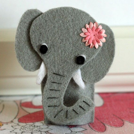 Five Things Friday: Elephant Crafts | Keepsmeoutofmischief