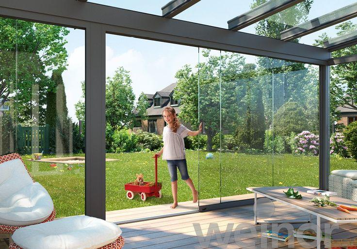 Ook grote volledig glazen elementen zijn heel eenvoudig te bedienen – zonder veel kracht en beweging. weinor maakt het mogelijk. Zo wordt het openen en sluiten van de weinor w17 easy kinderspel.