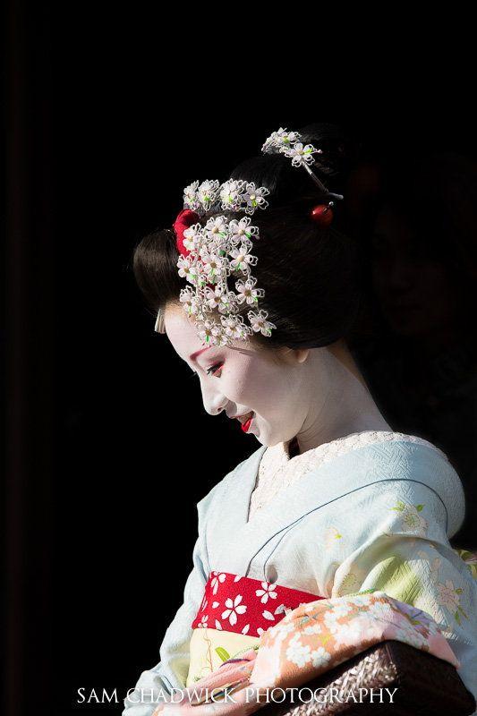 Young Geisha by Sam Chadwick, via 500px.