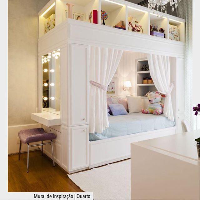 Sonhos de uma garota,  penteadeira com iluminação especial integrado a cama.  Ad❤️ #arquiteturadecoracao #adquarto #quartodemenina #quarto #olioliteam