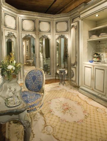Best 25 dressing room closet ideas on pinterest for Celebrity dressing room mirror