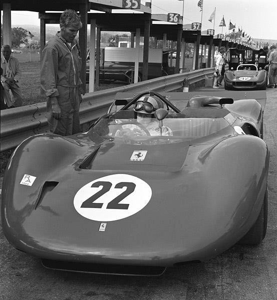 ca Pedro Rodriguez in the NART Ferrari, Road America 1968