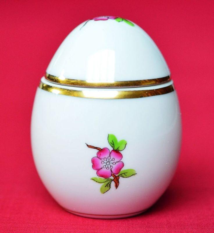 Herend Porzellan Deckeldose Dose Ei Osterei handbemalt Blumen Ungarn Höhe 6,7 cm