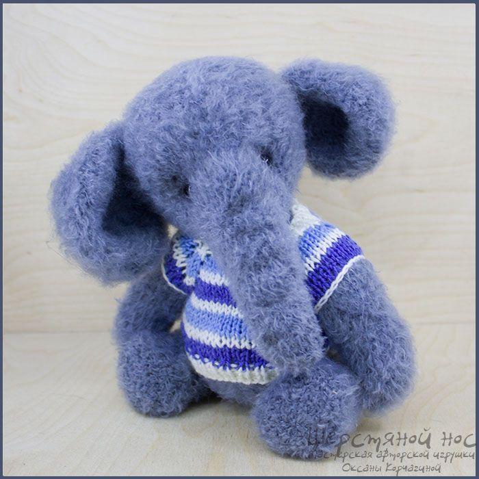 Савелий вязаный слон