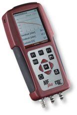 MFplus multifunkcionális mérőműszer: Nyomás / differenciál nyomás mérés, hőmérséklet / hőmérséklet különbség mérés, terhelés mérés, tömítettség vizsgálat, szivárgás keresés, repedés vizsgálat, páratartalom mérés, áramlási sebesség mérés, 4 Pa-Teszt
