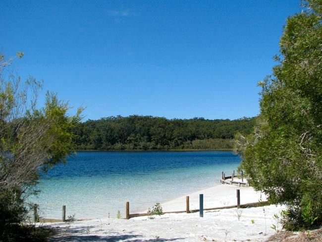 23 reasons life is better in Australia... kinda :) Lake McKenzie. Picture: Eduardo M. C. Flickr