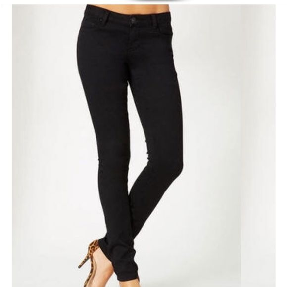 Victoria's Secret London Jean in Black NWT Store reject due to ripped tag. Otherwise perfect! Victoria's Secret Pants Skinny