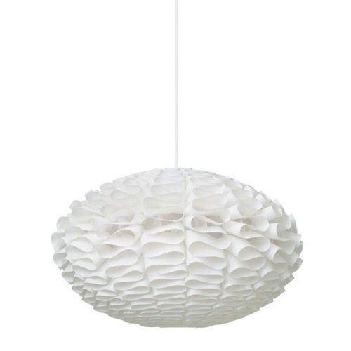 Norm 03 wordt geleverd in een platte verpakking zonder stekker of elektrische onderdelen. De lamp is gemaakt van lampscherm folie en is verkrijgbaar in twee maten. De hanglamp Norm wordt geleverd exclusief koord en fitting.   Afmeting:  Small: 53 x 32 cm (øxh)  Large: 65 x 40 cm (øxh)