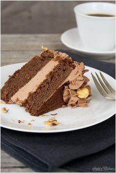 Schoko-Haselnuss-Torte mit Nutellafüllung. Hek's Kitchen