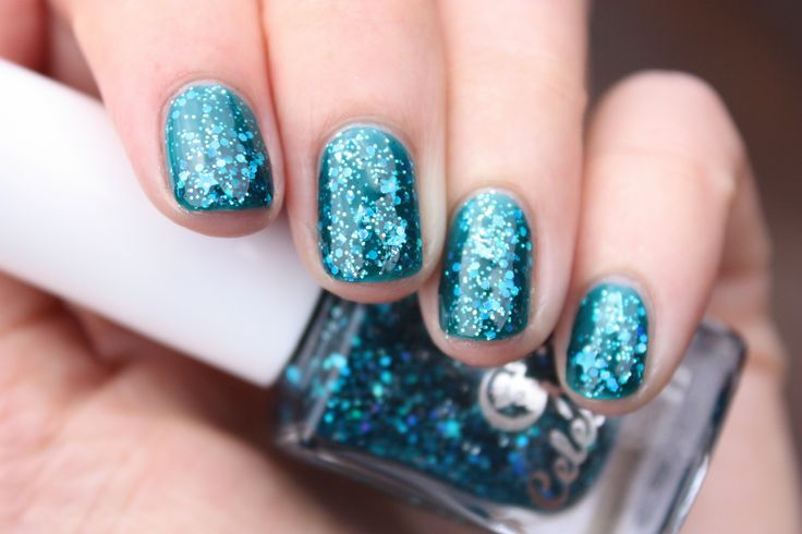 The Med swatched by Haylee of @drydammitnails