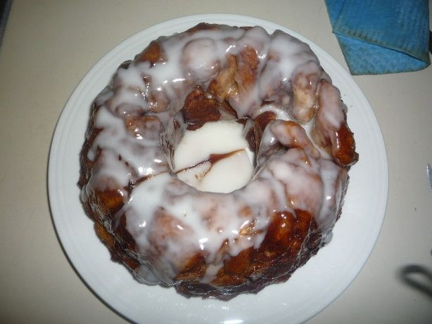 This is just like monkey bread but made with cinnamon rolls instead of plain rolls. Mmmmmmmmmmm........ So yummy!