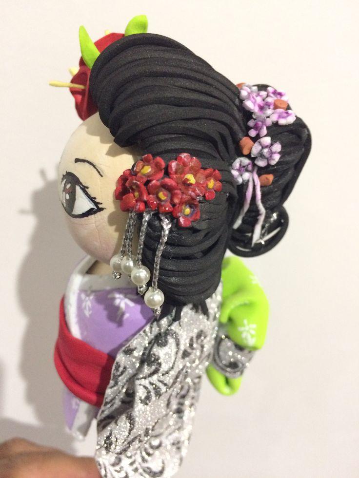 Fofucha Geisha para lápiz de goma eva
