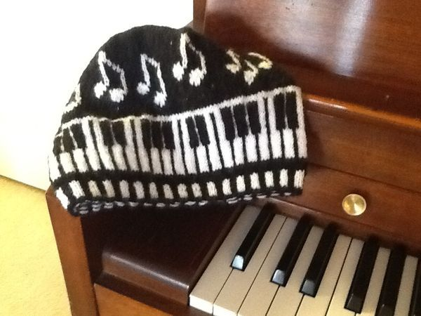 Piano Keys Cap knitting Pinterest Keyboard, Cello and Cap dagde