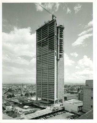 BOGOTÁ Edificio Davivienda en construccion, 1976