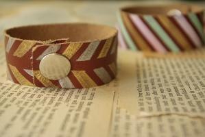 DIY leather bracelet by Eyli Muriel Hasson