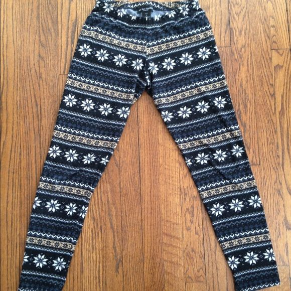 Clearance ⭐️ Winter Leggings Super comfy and warm winter style leggings in great condition.  No rips, stains etc. Sweater like material. See You Monday Pants Leggings