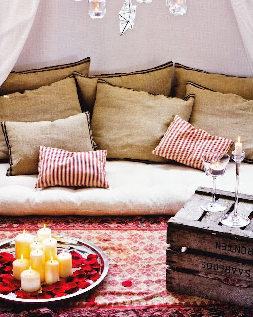 .: Living Rooms, Low Tables, Design Trends, Burlap Pillows, Recycled Wood, Floors Cushions, Diy Home, Wooden Crates, Wood Crates