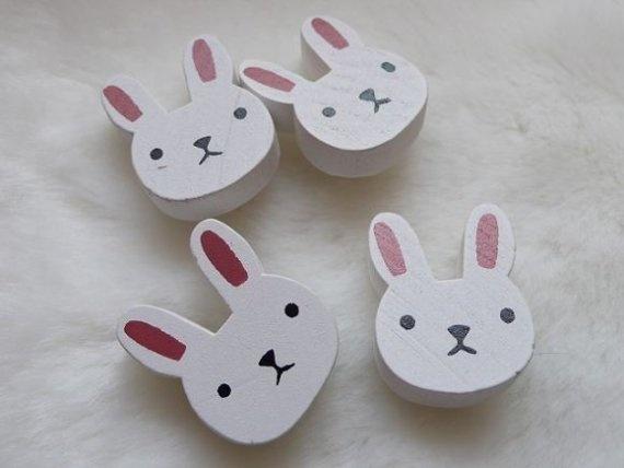 Wooden rabbit buttons