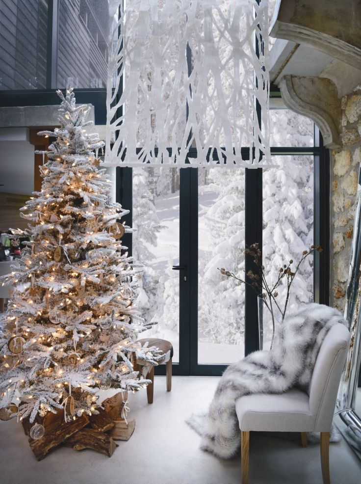 whit christmas decoration! super cool for living room decoration!