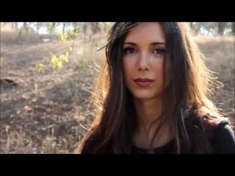 Piensas en el otoño - YouTube
