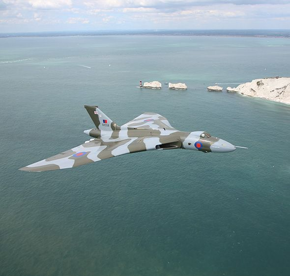 Vulcan XH558 – email notification.