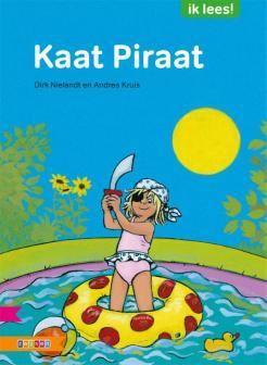 Kaat Piraat | Kaat wil met haar vrienden piraat spelen. Maar de jongens lachen haar uit. Meisjes kunnen geen piraat zijn. Maar dat willen de meisjes niet gezegd hebben. Samen met haar vriendin Saar wil ze de jongens wel eens laten zien wat ze kunnen.