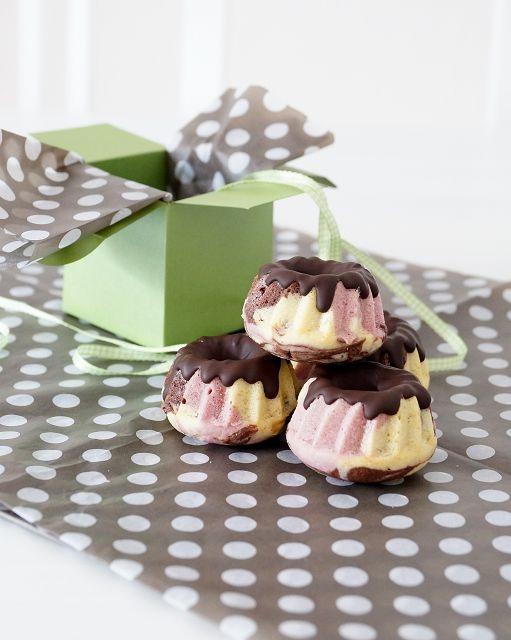 Papageienkuchen-Mini-Gugelhupfe (von der Tassenkuchen - Bäckerei)