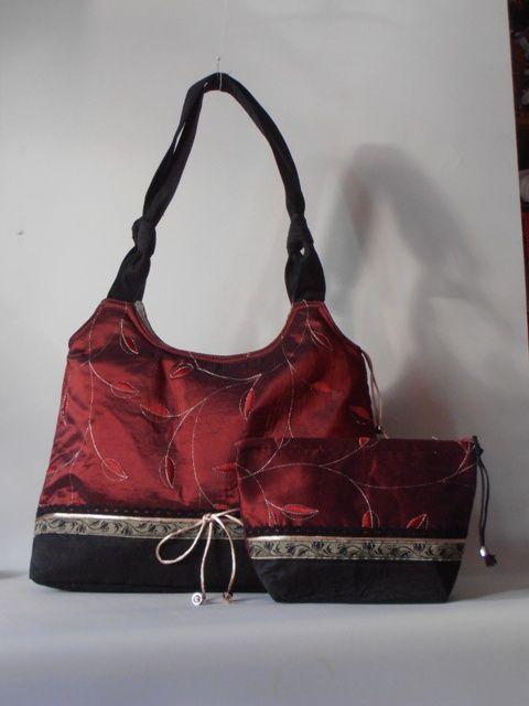 Különleges, bordó hímzett taft táska és neszesszer