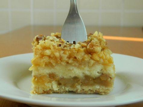 Bucataria casei noastre: Prajitura cu mere si gris (de post)