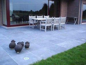 Les 25 meilleures id es concernant patio en pierre bleue - Meule pour carrelage ...