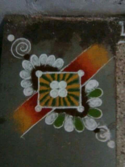 Simple but cute rangoli pinterest rangoli designs for Door design rangoli