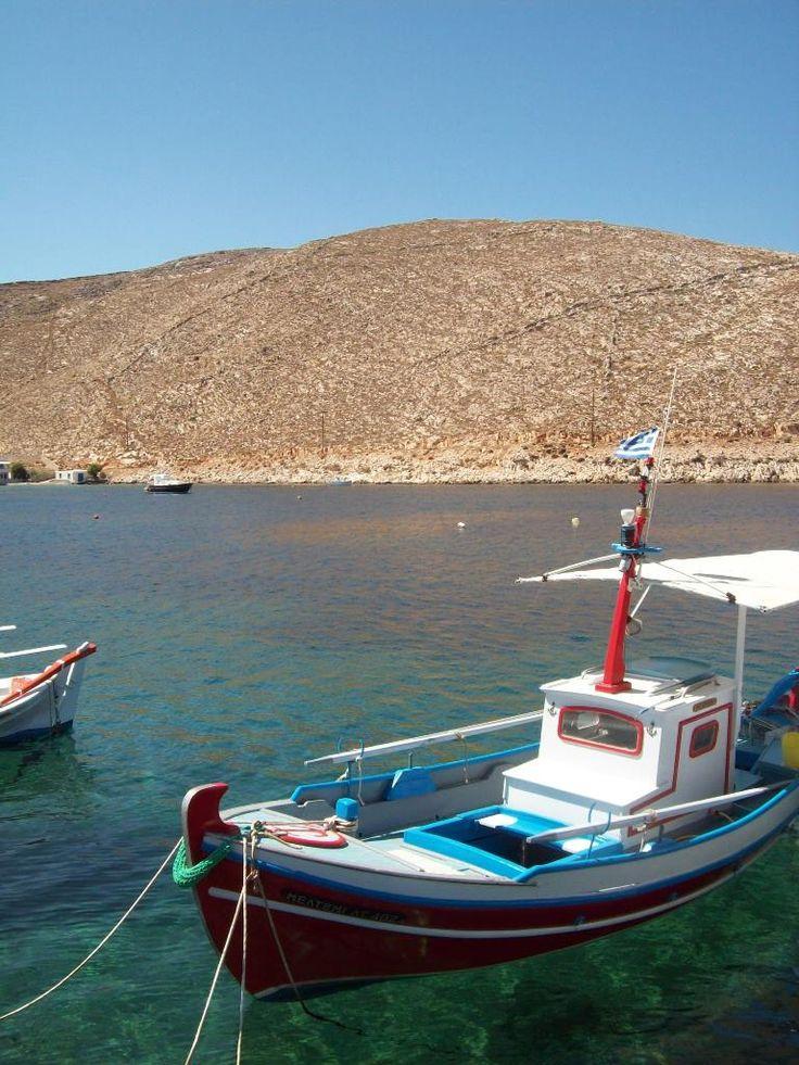 L'image de Tinos ne joue pas en sa faveur, et pourtant... cette île résume à merveille les couleurs, l'intensité et la magie des Cyclades.