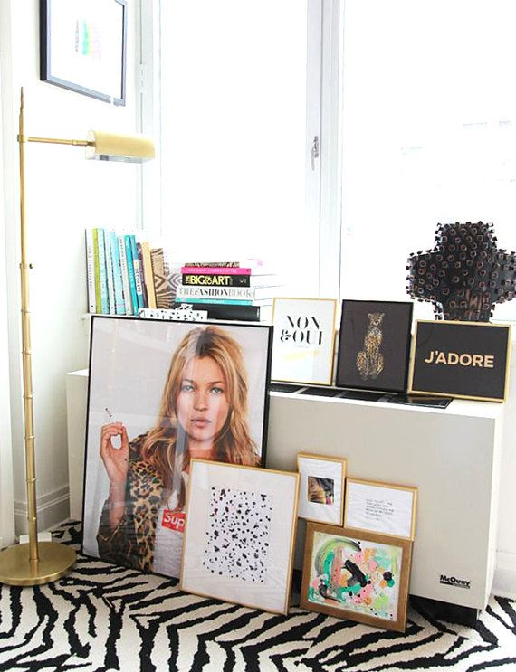 This listing is for a DIGITAL FILE of a printable Kate Moss poster. Available in 5 sizes, please choose from the drop down box on the top right side,