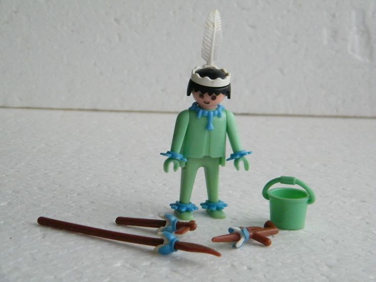 Playmobil 3128 Old klicky Minty Pastel with O feet dot point Indian 3