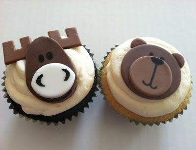 Moose and bear cupcakes.