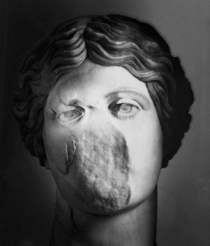 Mimmo Jodice - Figure del mare - Amazzone, Ercolano, 2008