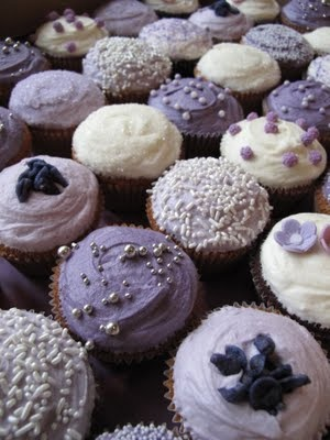 Decorating ideas purple parma lavender lilac Wedding cupcakes strass gateau de mariage original lilas parme lavande